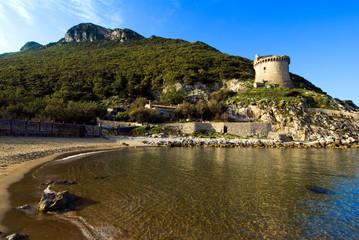 promontorio del Circeo e torre Paola a Sabaudia in Italia