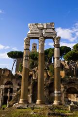 vista dei fori romani e del campidoglio a Roma in Italia