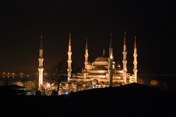 Blaue Moschee bei Nacht