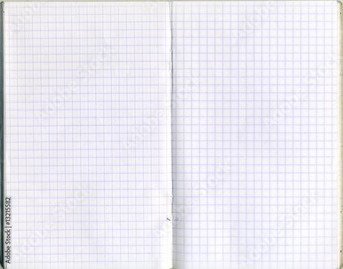 Feuilles de cahier petits carreaux photo libre de for Feuille a carreaux