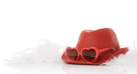 cappello rosso con occhiali