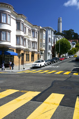 Rues et Coït tower à San Francisco