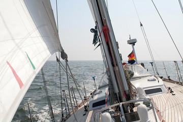 Segelyacht auf dem Atlantik