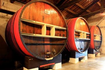 Weinfaß, Holzfaß, Weinkeller, Languedoc Roussilion