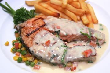 Salmon steak with cream sauce