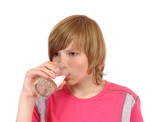 teenager to drink water