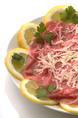 Bovino - Carpaccio e grana - Antipasti di carne