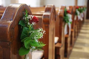 Kirche Sitzbankreihe