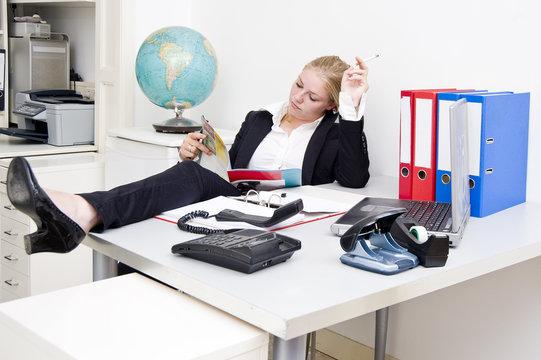 Lazy receptionist