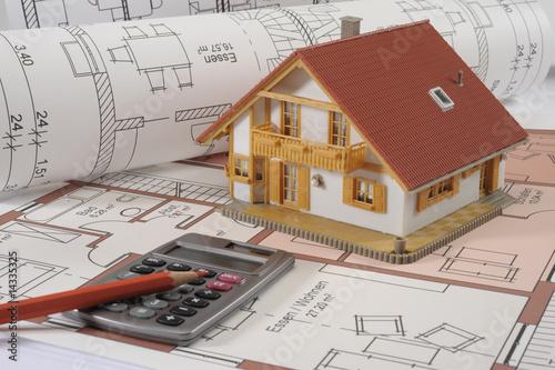 Haus hausbau bauplan stockfotos und lizenzfreie bilder for Bauplan haus