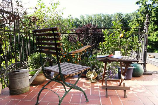 patio in mediterranean style