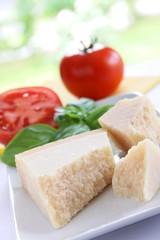 parmesan, tomaten und basilikum