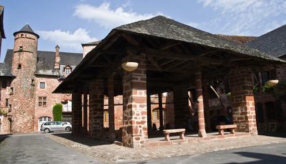 Meyssac (19) - Place des halles