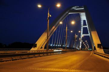 Night Brücke in Bratislava