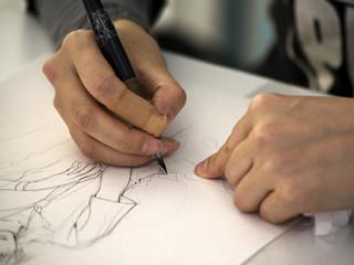 manga künstler zeichnet