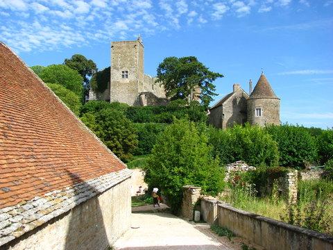 Village et château de brancion (Bourgogne)