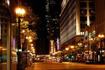 scène de nuit sur un célèbre rue de CHicago