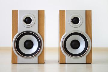 A pair of speakers