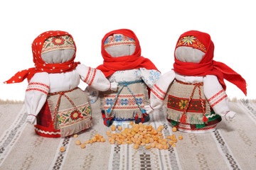 """""""Grain dolls"""" filled with peas"""