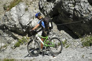 MTB schieben im Val D'Uina