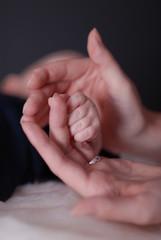 Baby Hand Mutter Geborgenheit