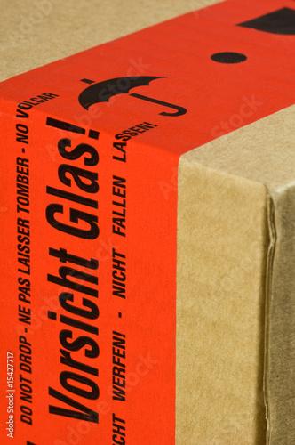 Paket Mit Aufkleber Vorsicht Glas Stock Photo And Royalty