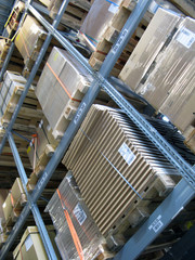Logistique - perspective de rayonnages