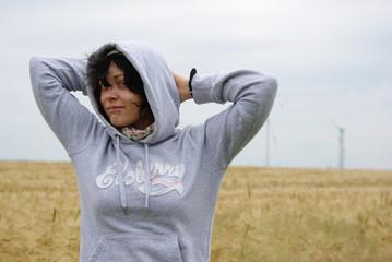 Portrait eines Mädchens im Kornfeld