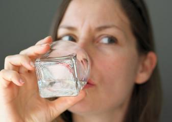 boire un verre d'eau