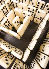 Labyrinth & Domino