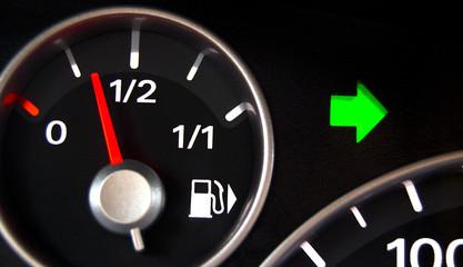 Bilder und videos suchen warnblinklicht for Lampen im auto