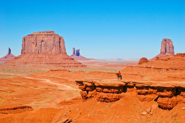 Indianer im Monument Valley
