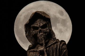la mort sous la lune 3