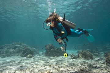Foto auf Acrylglas Tauchen Taucher im Korallenriff|Divers in coral reef|
