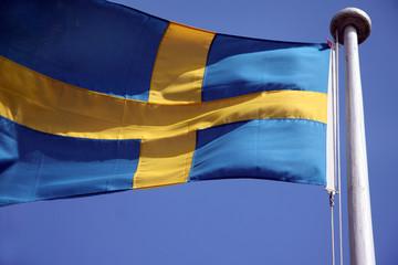 Schwedische Flagge wehend am mast