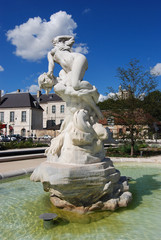 """Place de la Libération , Troyes (10) Statue """"le Rapt"""""""