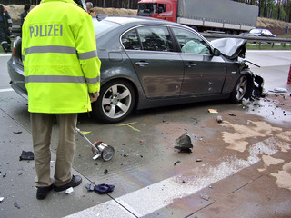 Autounfall 25