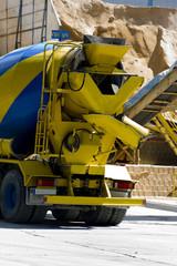 camión del cemento