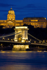 Wall Mural - Chain bridge and castle Budapest, Hungary