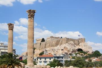 griechische Säulen und Akropolis