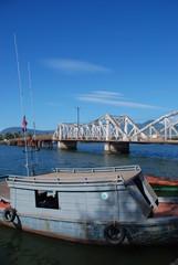 Riviere et pont