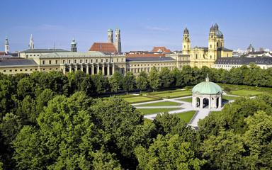 Hofgarten – Residenz – Theatinerkirche in München