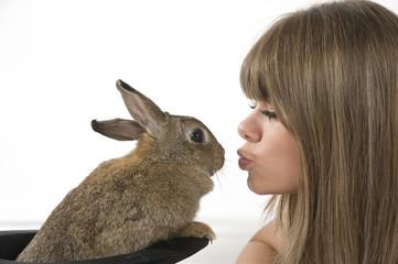 Schmusen mit Kaninchen