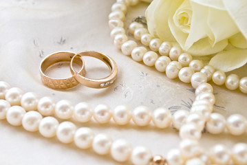 two rings and pearls