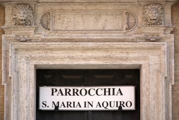 Roma, piazza Capranica, parrocchia di S. Maria in Aquiro