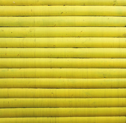 Yellow painted wood - Gelb lackiertes Holz