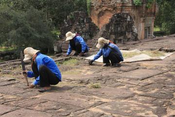 angkor,travaux d'entetien