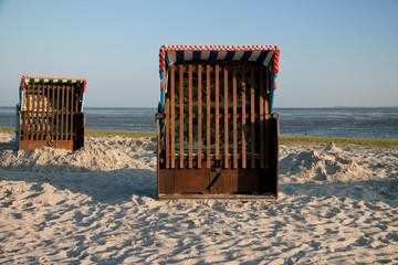 Strandkorb bei Ebbe Nordsee
