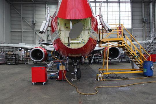 flugzeug hangar