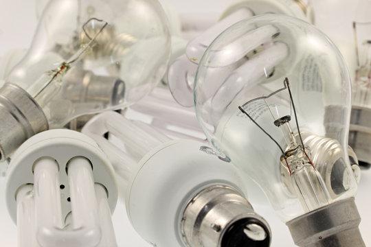 des ampoules électriques